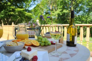 sundeck-wine